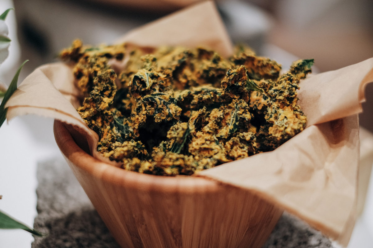 Kale chips with cheese